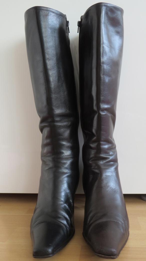 Twee verschillende laarzen